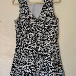 Banana Republic Dresses - BR - SLEEVELESS FIT & FLARE DRESS - SIZE 8